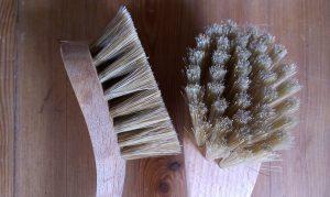 Opvaskebørste Svaj (Grovbørste) m/ Lyse vildsvinehår 26 cm Olieret bøgetræ