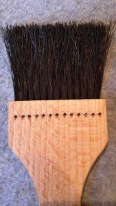 Bage/madpensel Flad 13 rækker sort hestehalehår 23 cm lang. Olieret bøgetræ