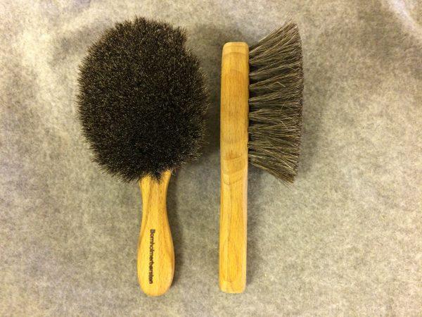 Babybørste (Stimulerings børste) m/ Grå gedehår 15 cm. Bøgetræ behandlet med Bivoks