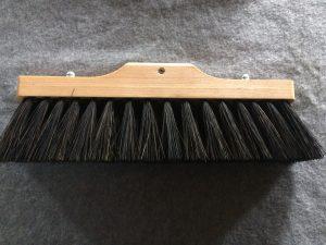 Terrassekost Lille smal 29cm m/arenga fiber. Olieret bøgetræ